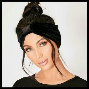NWOT Black Velvet Knot Headband
